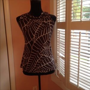 😊Tory Burch a-line top with fun neck detail sz2